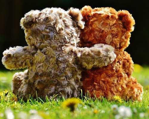 Твой друг в тебя влюблен: основные признаки