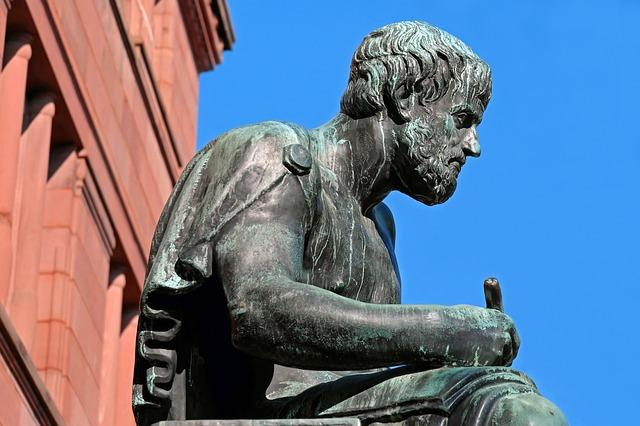 Аристотель пишет