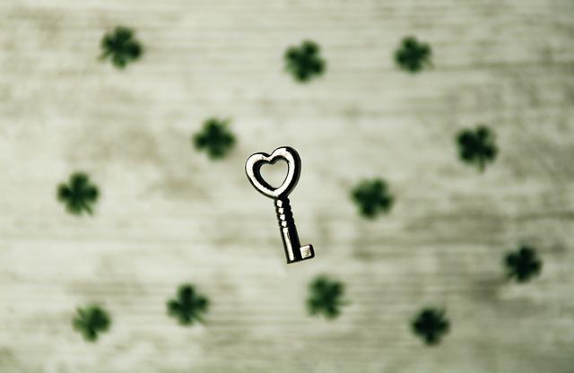 Ключ в виде сердца