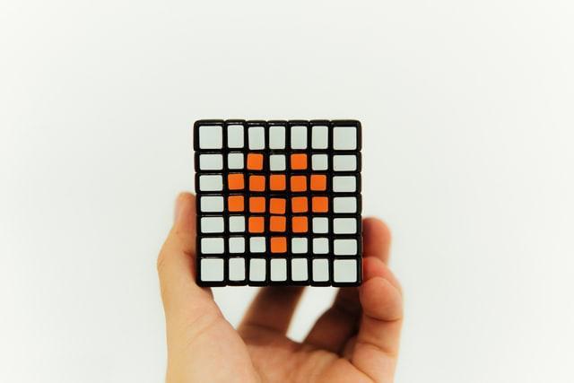 Кубик рубика с сердцем